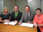 Provincial government, New Brunswick Teachers' Federation sign new collective agreement